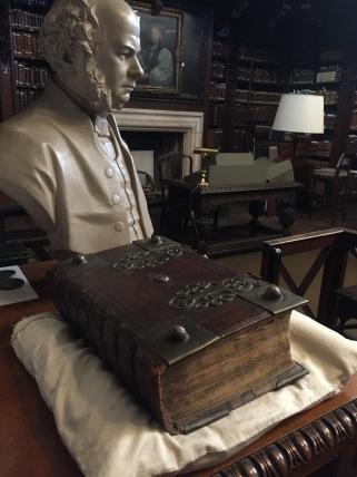 Biblia Alemã de 1600, na biblioteca da Catedral